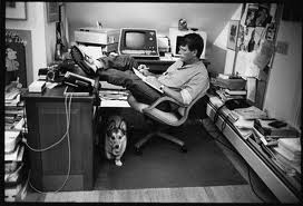 The great Stephen King at work. Will you look at the size of that phone?!